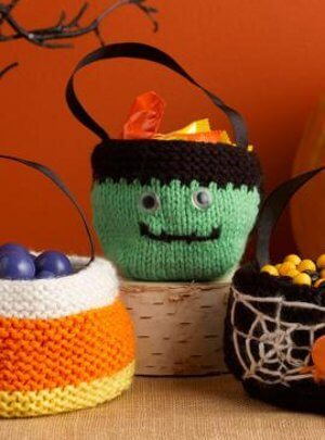 knit halloween treat bag