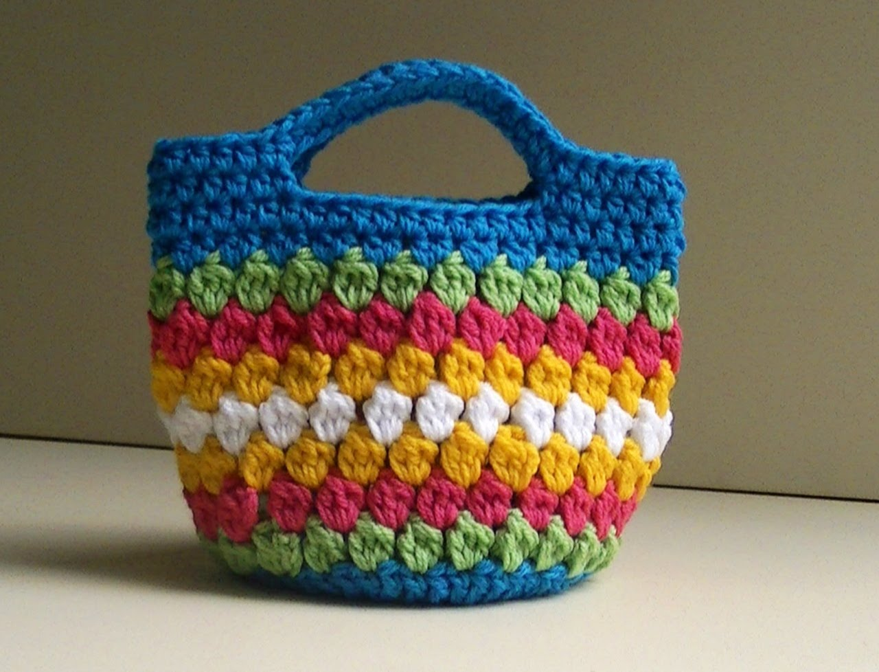 Crochet Stitches Video Tutorials : Cluster Stitch Bag Crochet ( Video Tutorial ) - The Spinners Husband