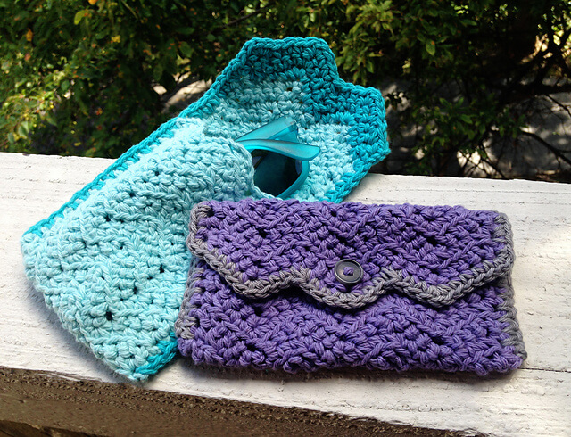 Free Crochet Chevron Glasses Case