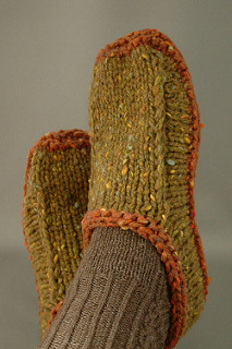 Felted Slippers Knitting Pattern : Knit these Chunky Non-Felted Slippers - Free Pattern - The Spinners Husband
