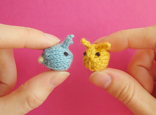 Knit these Tiny Baby Bunnies! Free Pattern!
