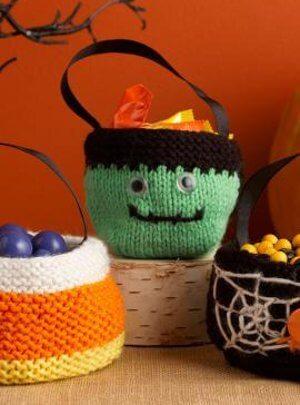 knit halloween treat bag