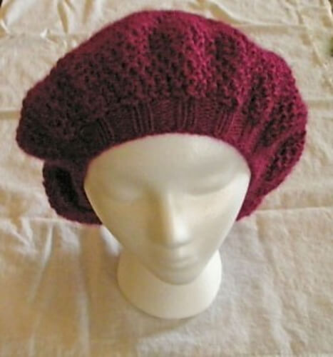 Free Bee Stitch Knit Beret Pattern
